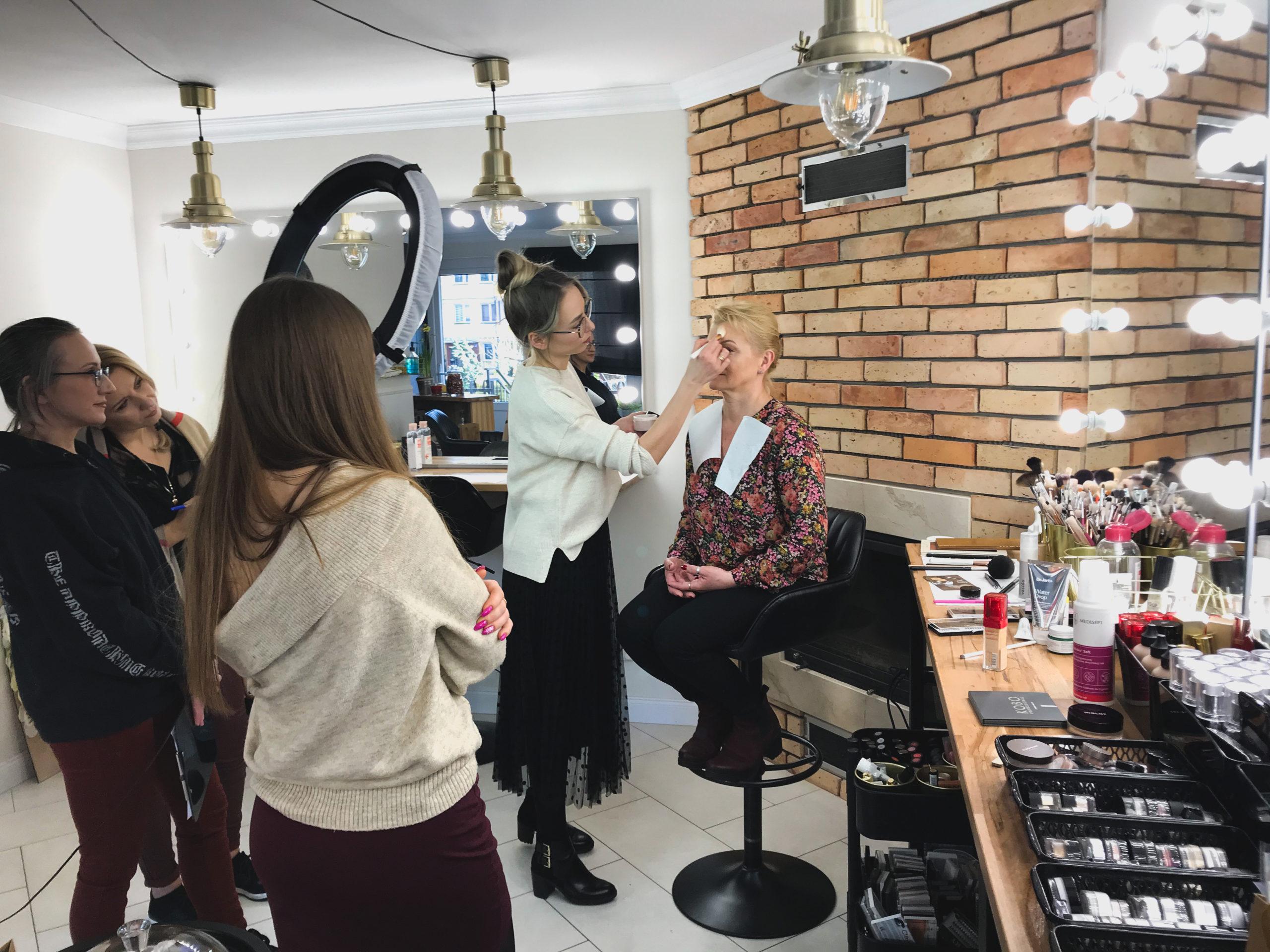 Szkolenie z makijażu KOBIETY DOJRZAŁEJ Stargard