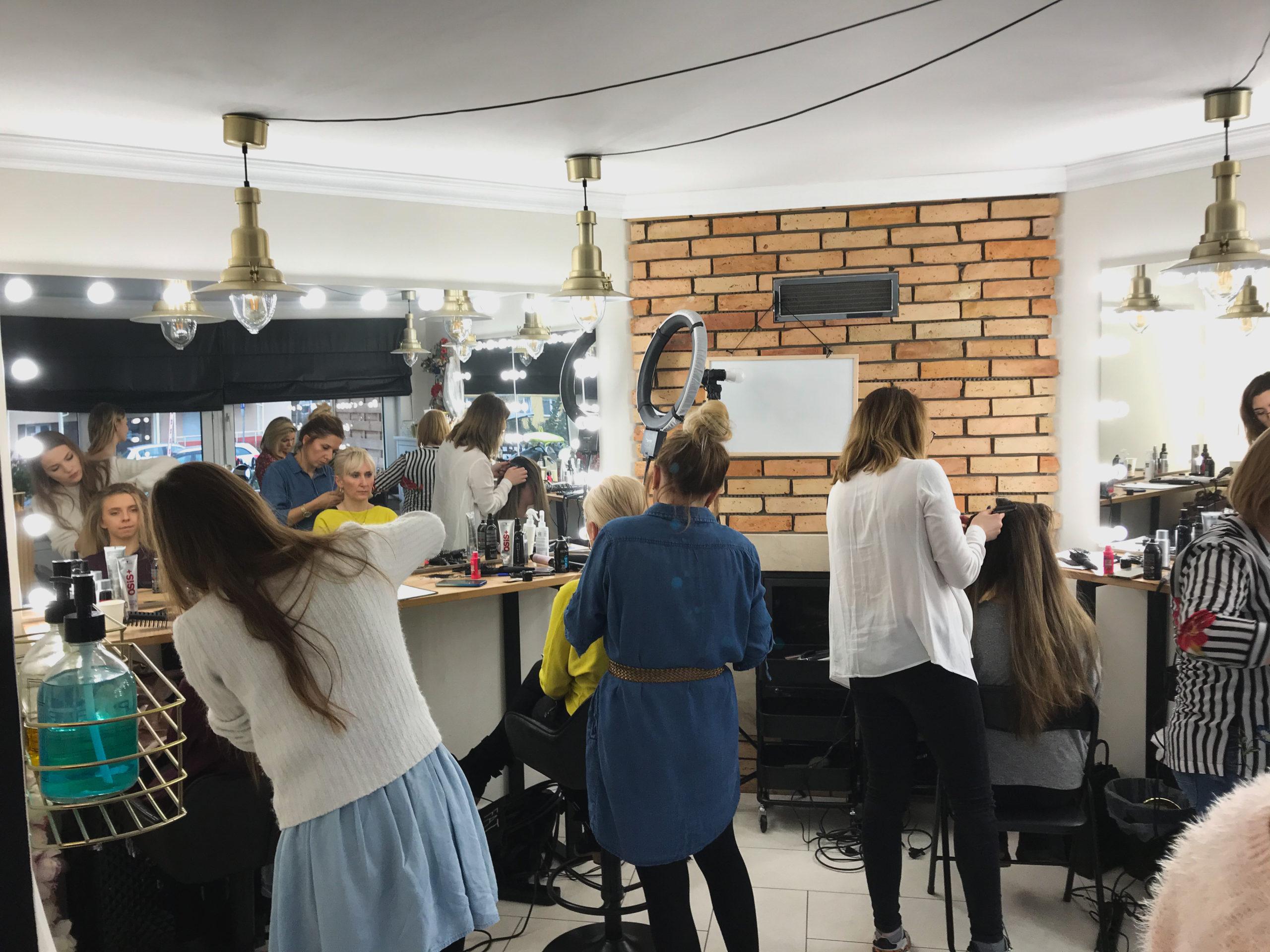 Małgorzata Herczyńska i szkolenie z fryzur